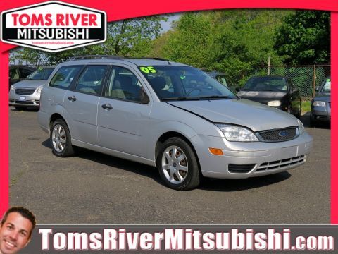 Pre-Owned 2005 Ford Focus SE